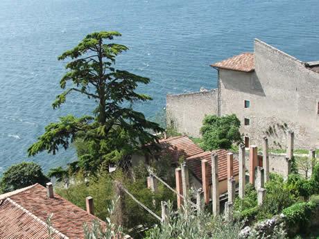 Case a limone sul lago di garda for Lago di garda case